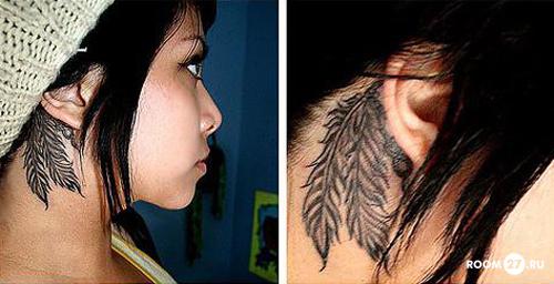 В качестве татуировки на шее сбоку