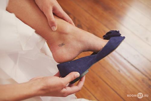 Татуировка на ногу на косточку