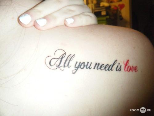 Татуировки для девушек в виде недписи