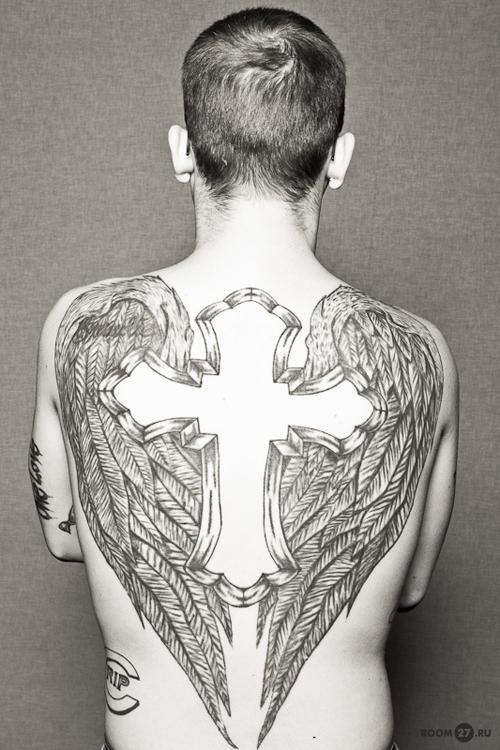 Крылья на спине тату фото татуировок
