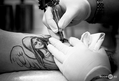Татуировки надписи на руках для мужчин с