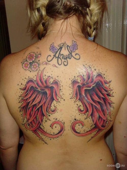 Татуировка на руке свое имя
