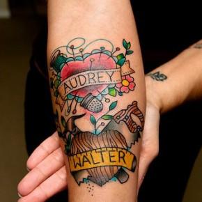 Татуировки для девушек сердце с именем