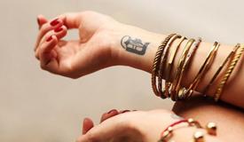 татуировка вдоль позвоночника фото